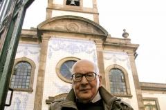 Leonel Oliveira, com 79 anos [2012], na Capela de Fradelos.